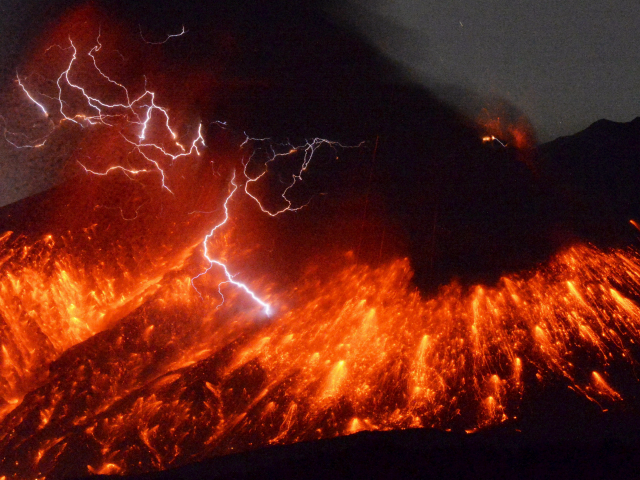 Scientists say we'll only get one year to prepare if a super-volcano erupts